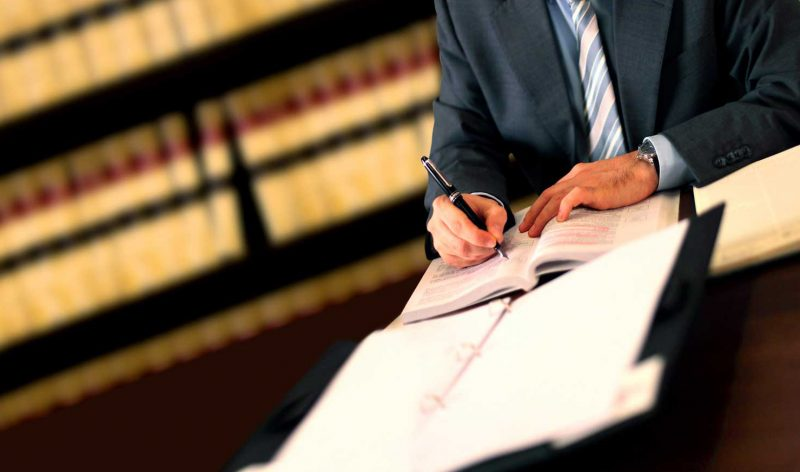lawyer job description and salary